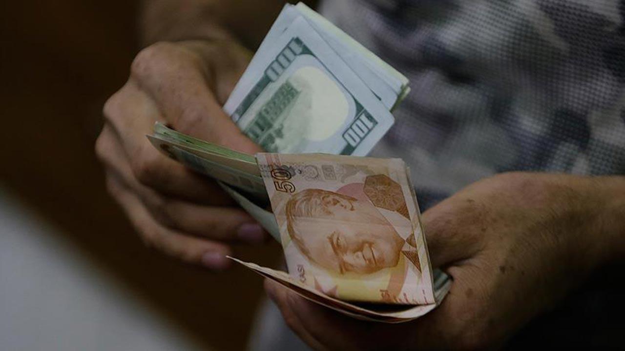 Dolar yeni yılın ilk haftasına düşüşle başladı