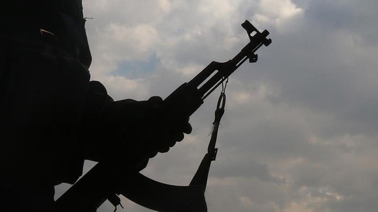 YPG kendilerini redden gençlere saldırdı