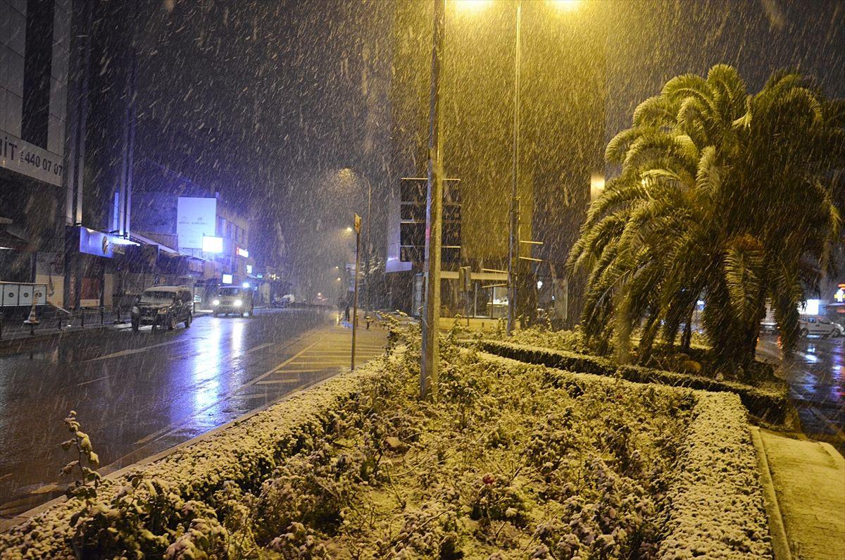 İstanbul güne karla uyandı - Sayfa 3