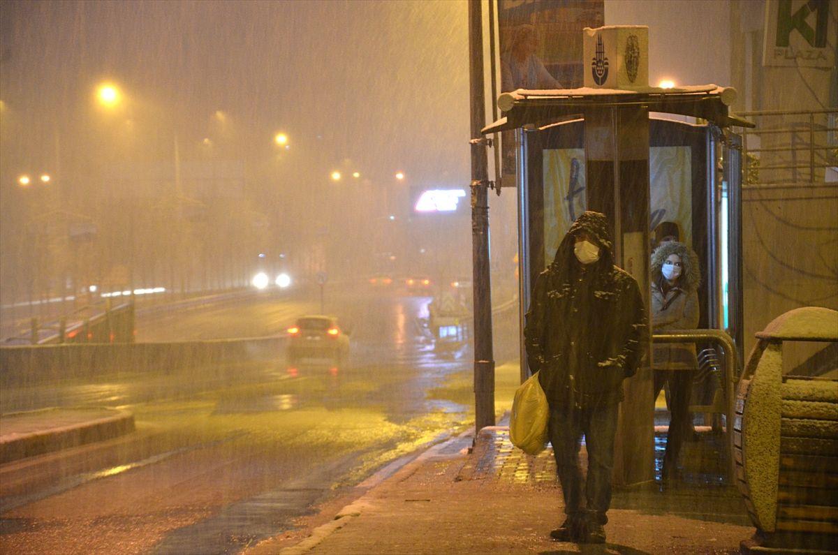 İstanbul güne karla uyandı - Sayfa 4