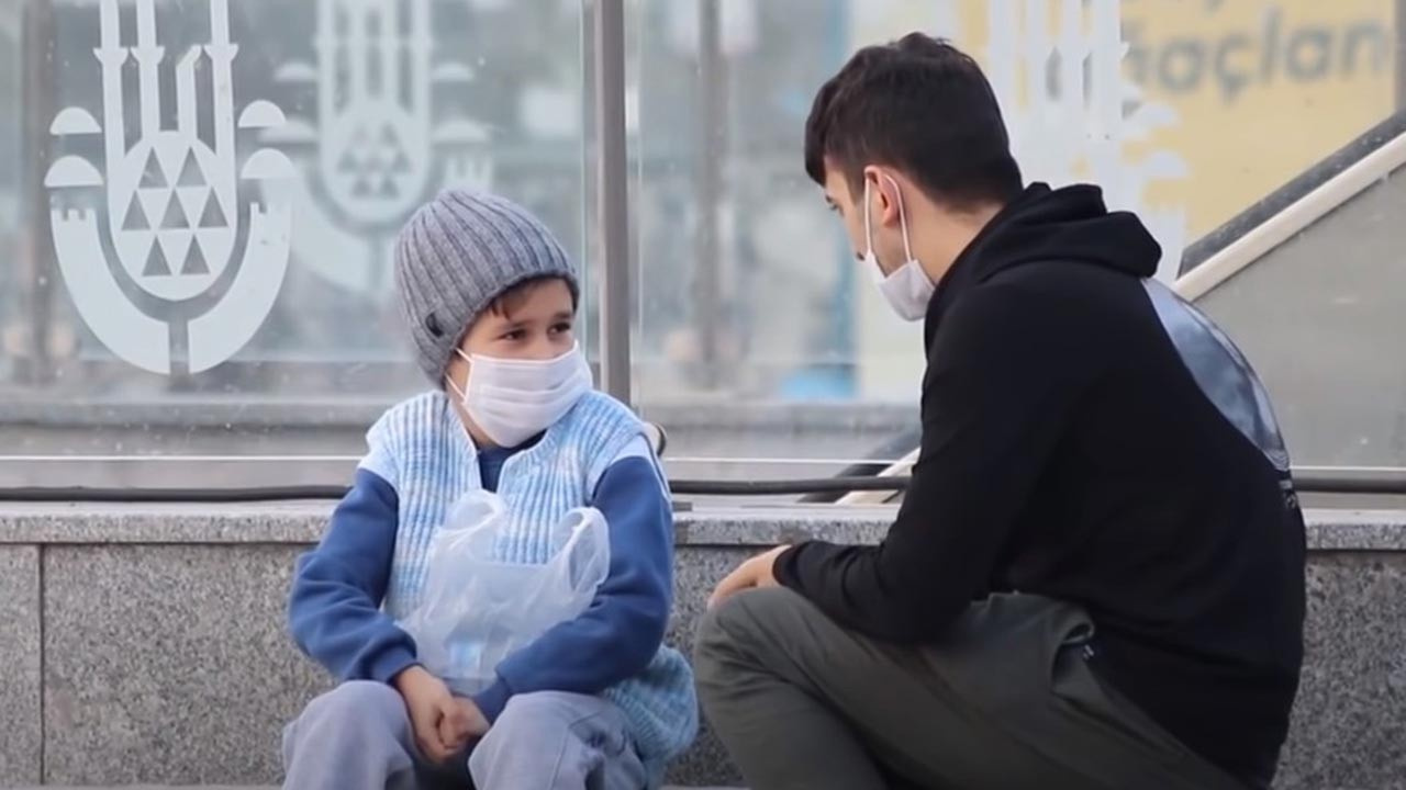 Herkesi kandırmış: Su satan çocuk videosu kurgu çıktı
