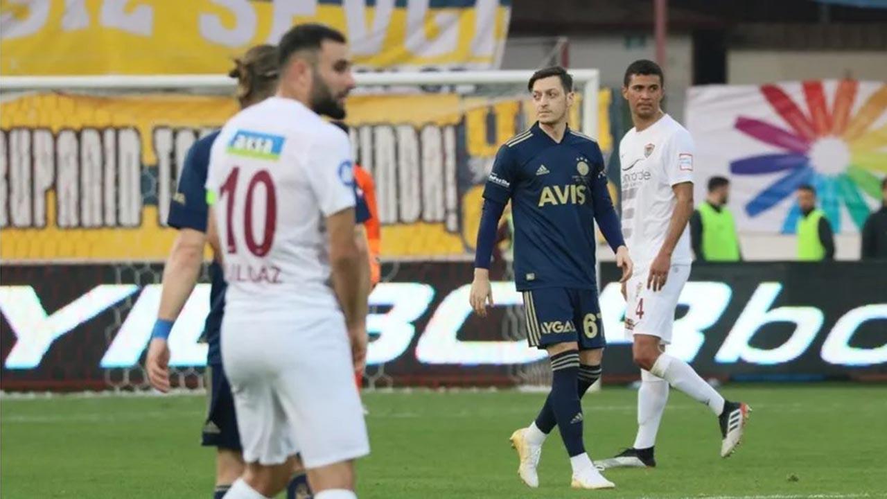 'Mesut'lu Fenerbahçe ilk maçını kazandı