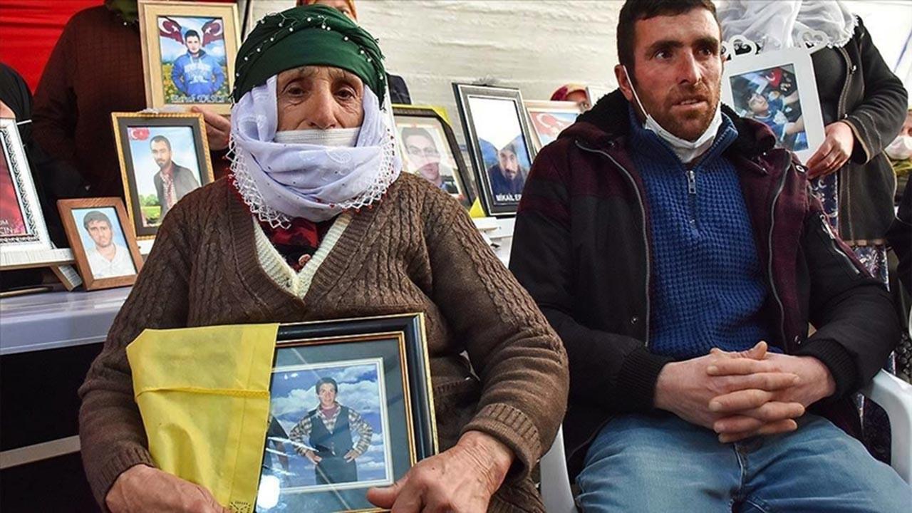 Diyarbakır Anneleri'ne iki aile daha katıldı