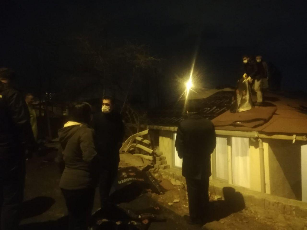İstanbul'da çatılar uçtu, araçlar parçlanadı - Sayfa 2