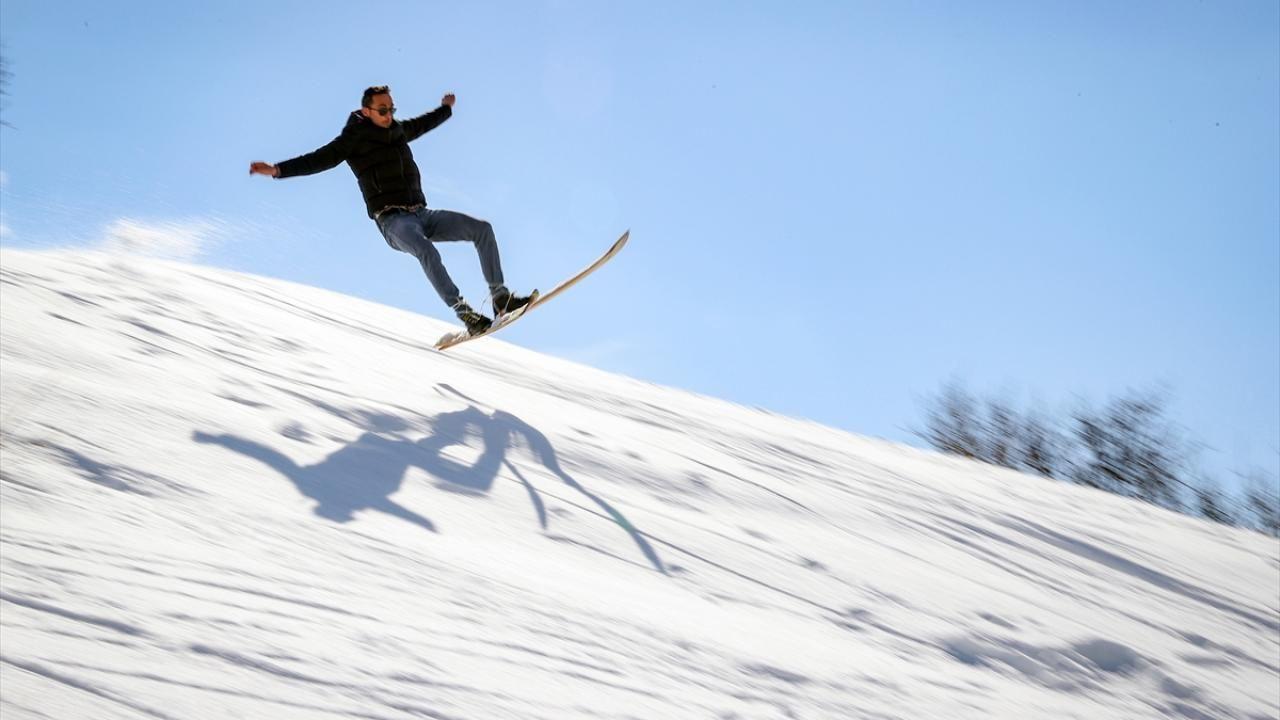 Şemdinli'ye kayağı babası getirdi, o öğretiyor - Sayfa 2