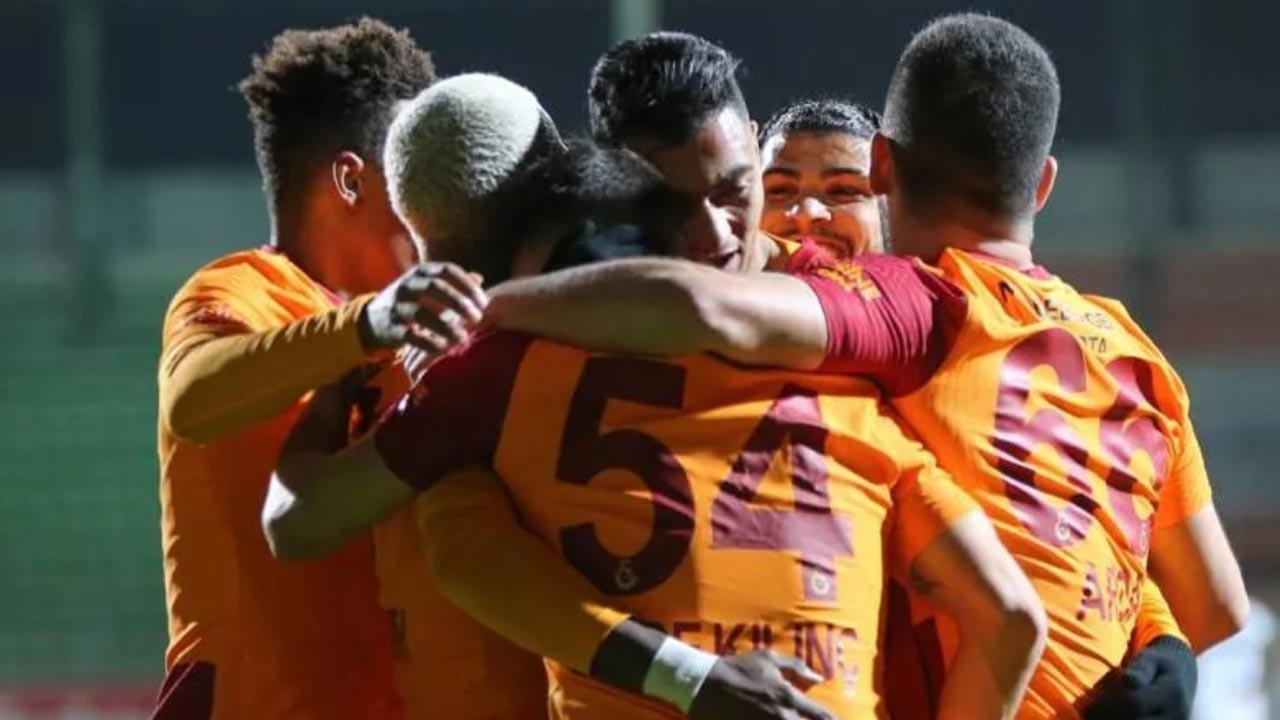 Galatasaray bu haftayı da lider kapattı