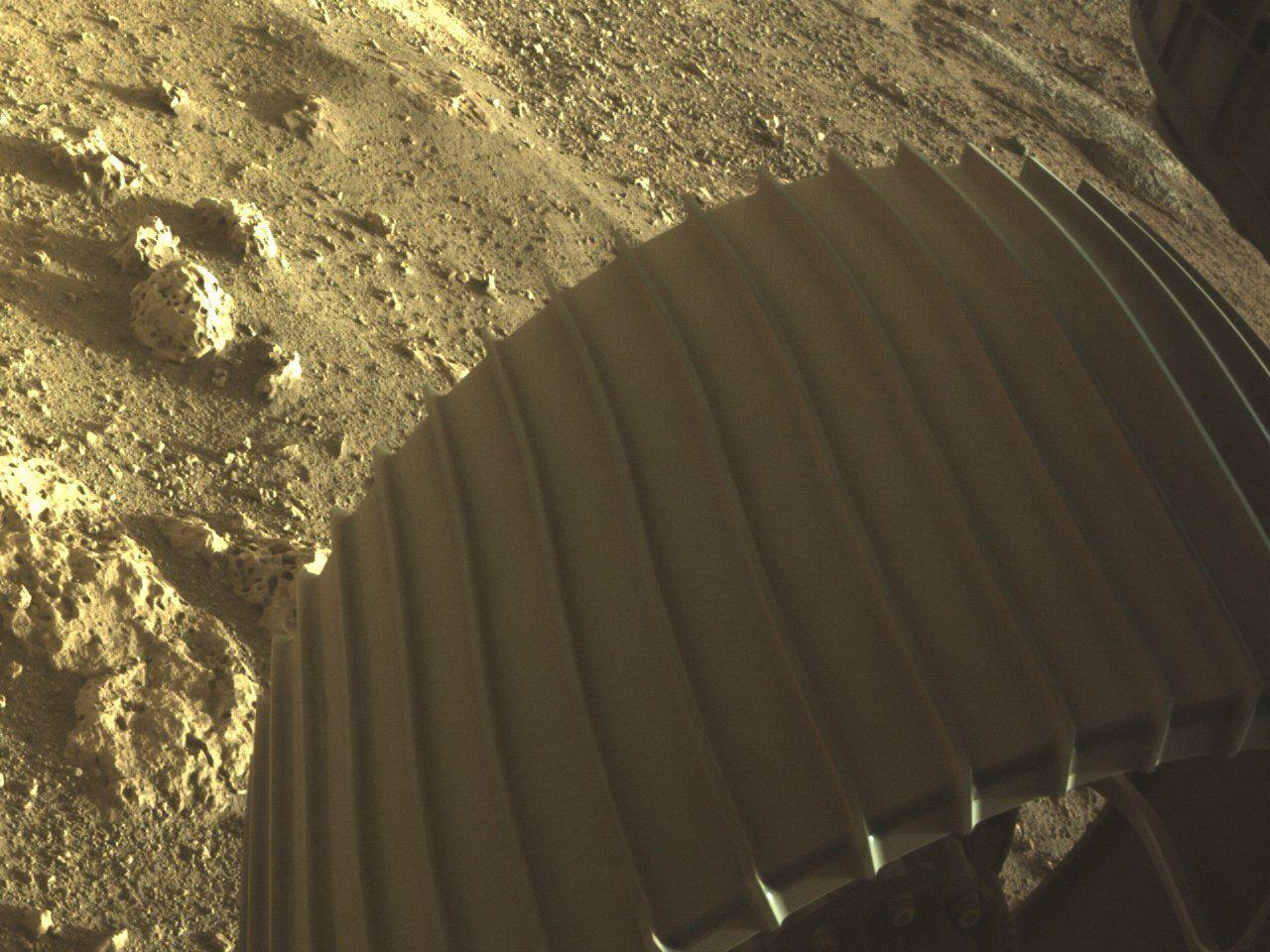 Mars'tan ilk yakın çekim fotoğraflar geldi - Sayfa 4
