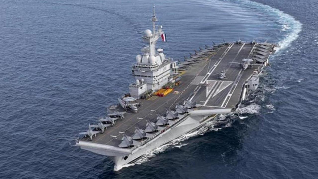 Fransa uçak gemisi 20 uçakla Ortadoğu'da