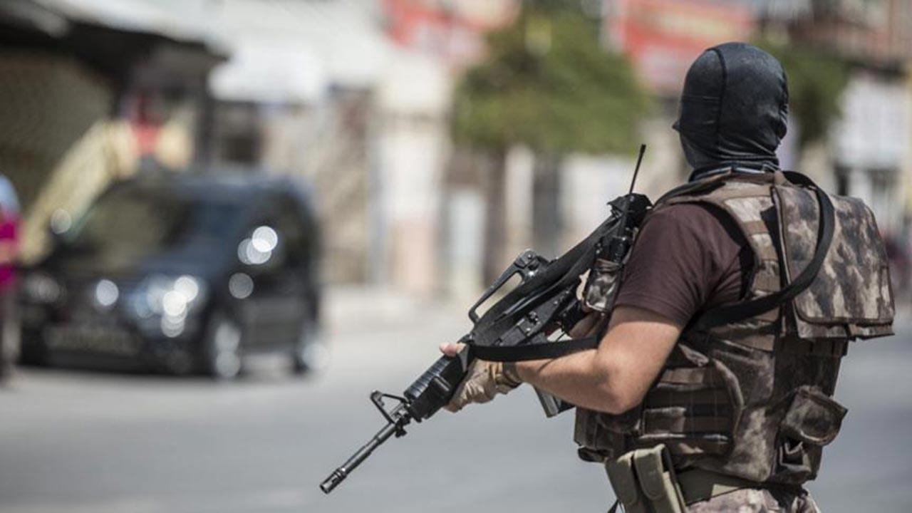 Adana merkezli 11 ilde operasyon