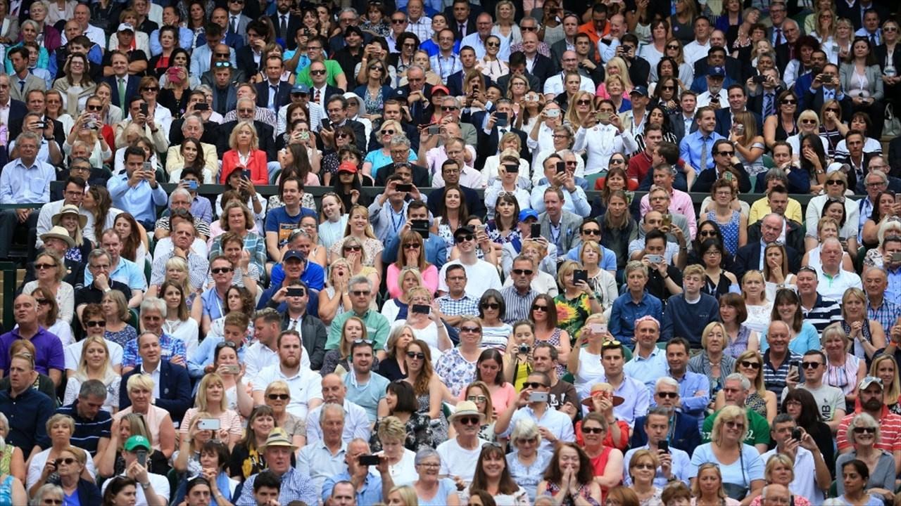 İngiltere'de seyircili maçlar mayısta başlıyor