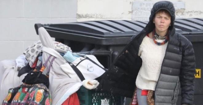 Bir zamanların ünlü modeli şimdi sokaklarda yaşıyor, çöpleri karıştırıyor - Sayfa 2
