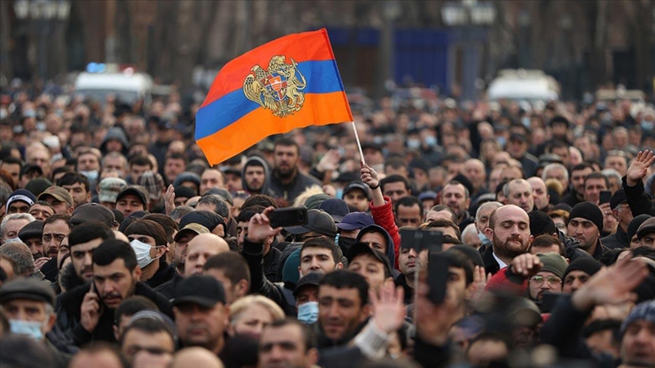 Ermenistan için kritik tercih anı