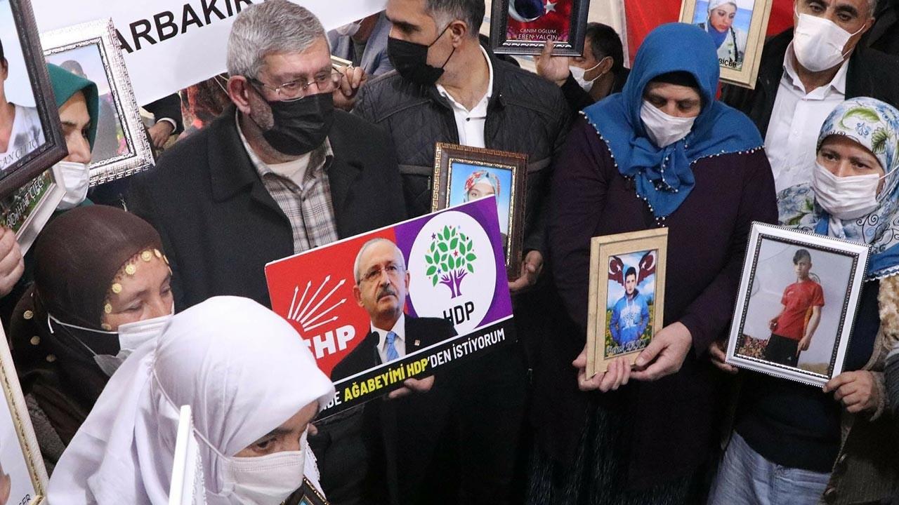 Kemal Kılıçdaroğlu'nun kardeşi de HDP önündeki nöbete katıldı