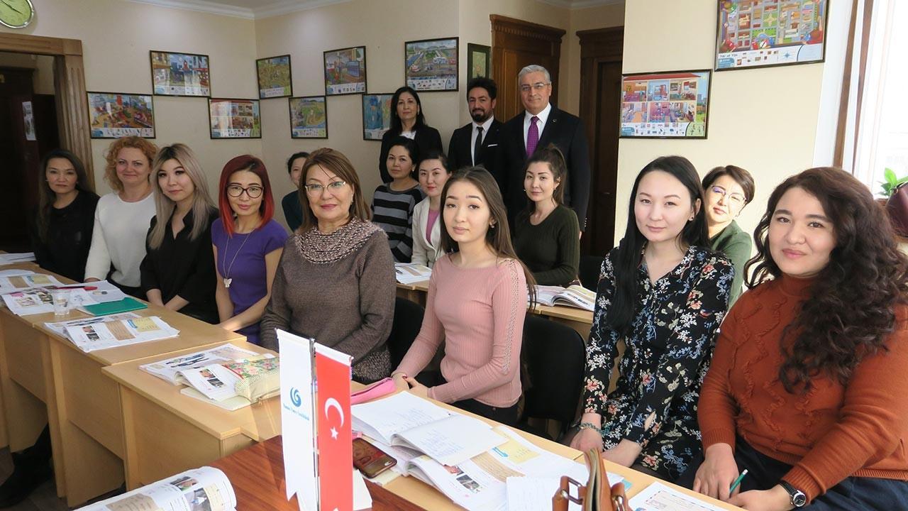 Kazakistan'da Türkçe Kurslarına yoğun ilgi