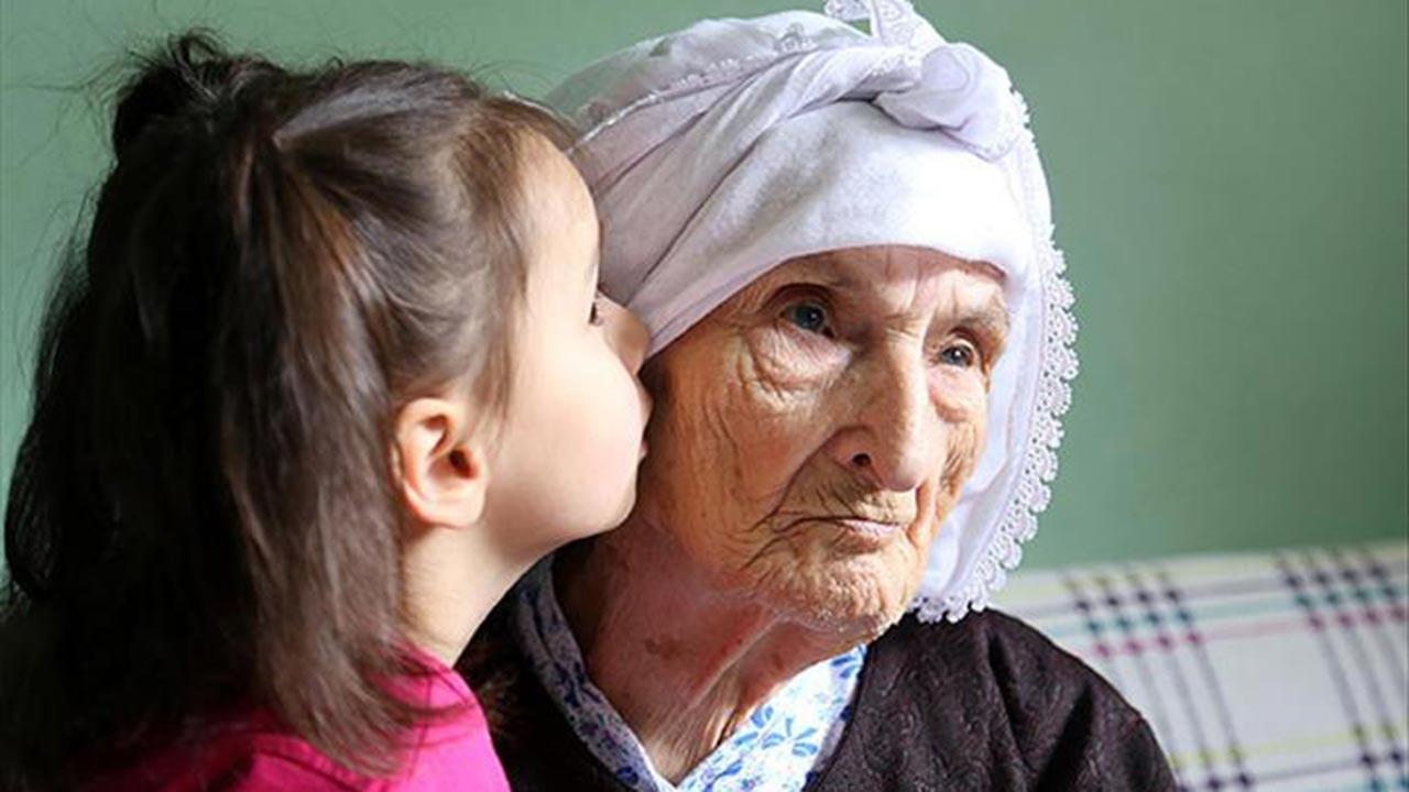 Yaşlılık aylığı alabilmek için çalışmıyor olmak şartı kalktı