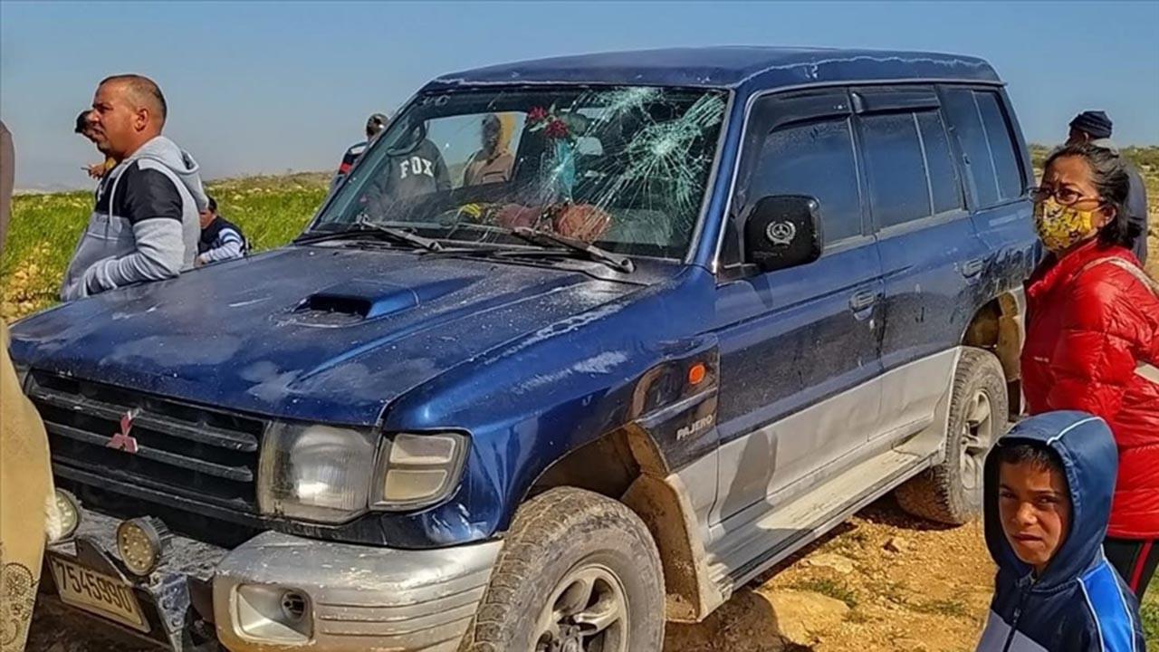 Sivil Yahudi işgalciler Filistinli aileye saldırdı