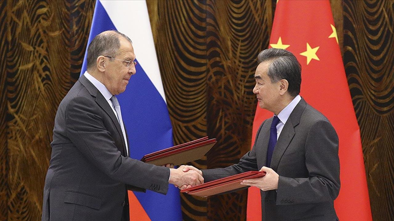 Rusya ve Çin safları sıklaştırıyor