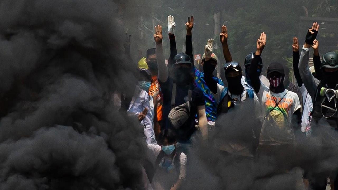 Myanmar'da pandemiye kaos ve çatışma eklenince