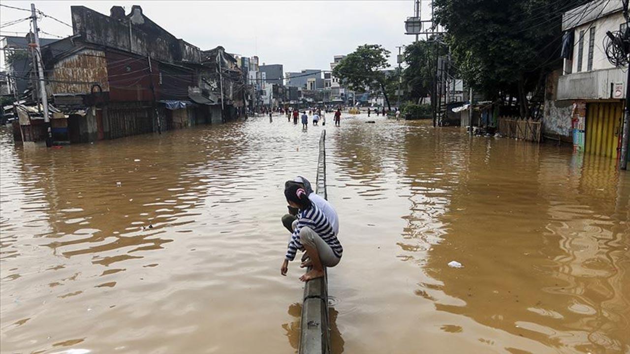 Endonezya'daki felakette ölü sayısı 55'e çıktı