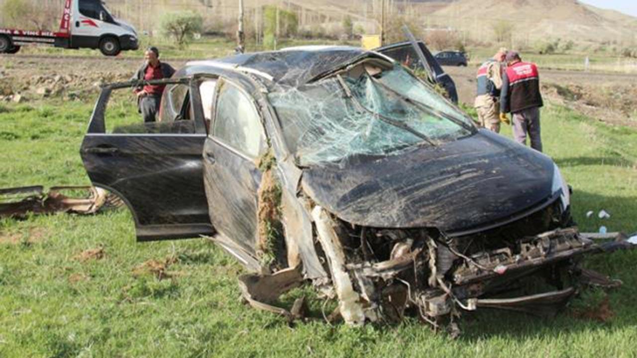 Kaymakam ve belediye başkanı kaza yaptı