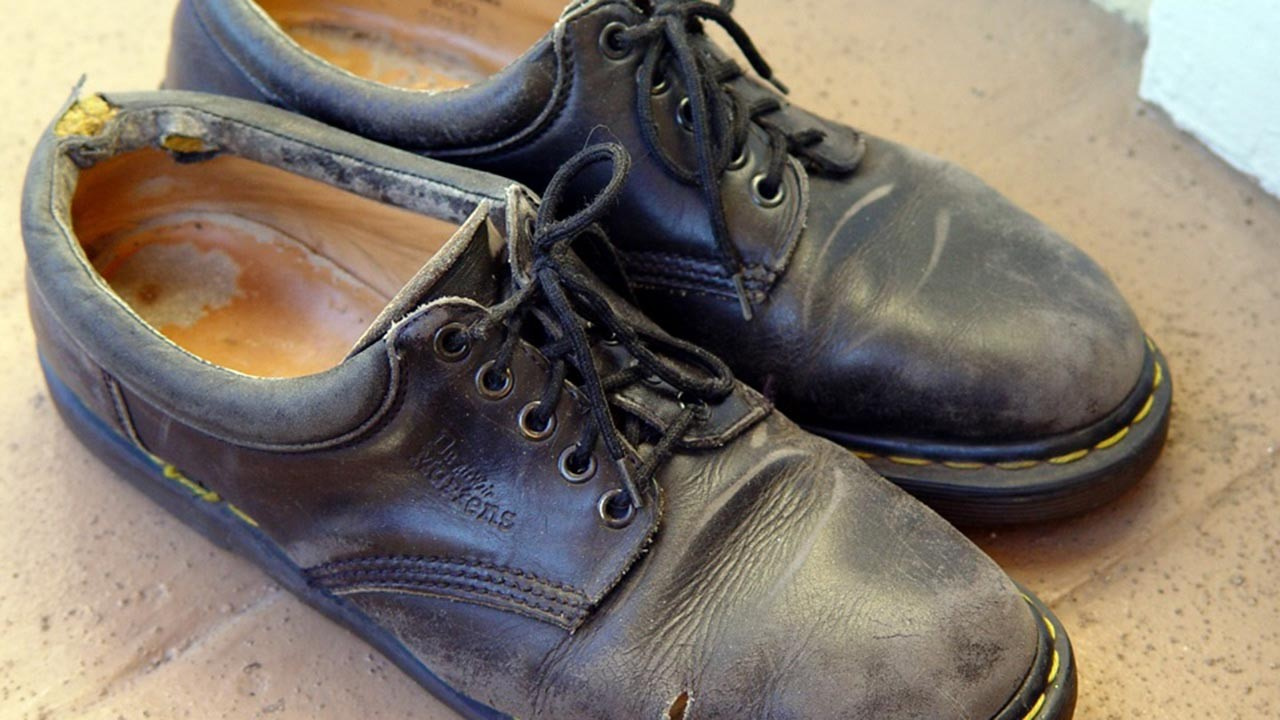 Ölünün ayakkabısı neden kapı önüne konur?