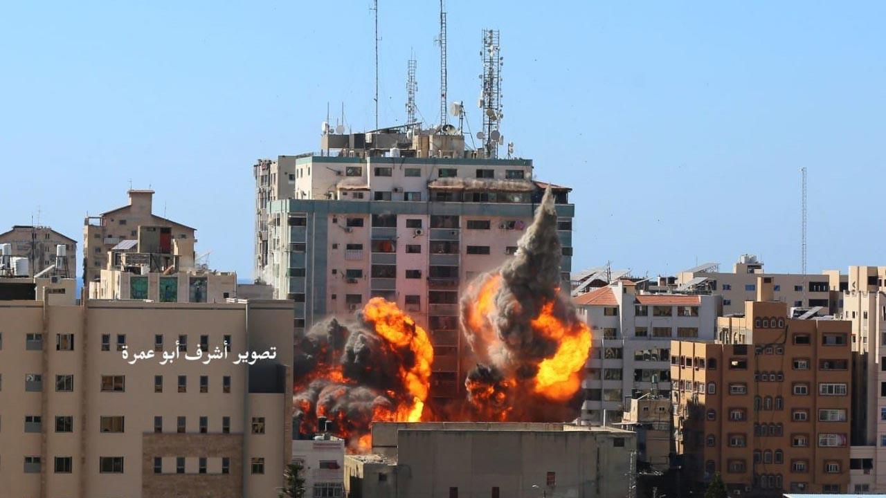 Gazze'de medya binası vuruldu