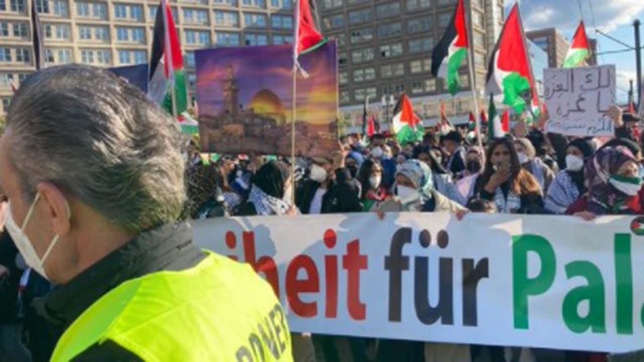 İsrail saldırıları Almanya'da protesto edildi