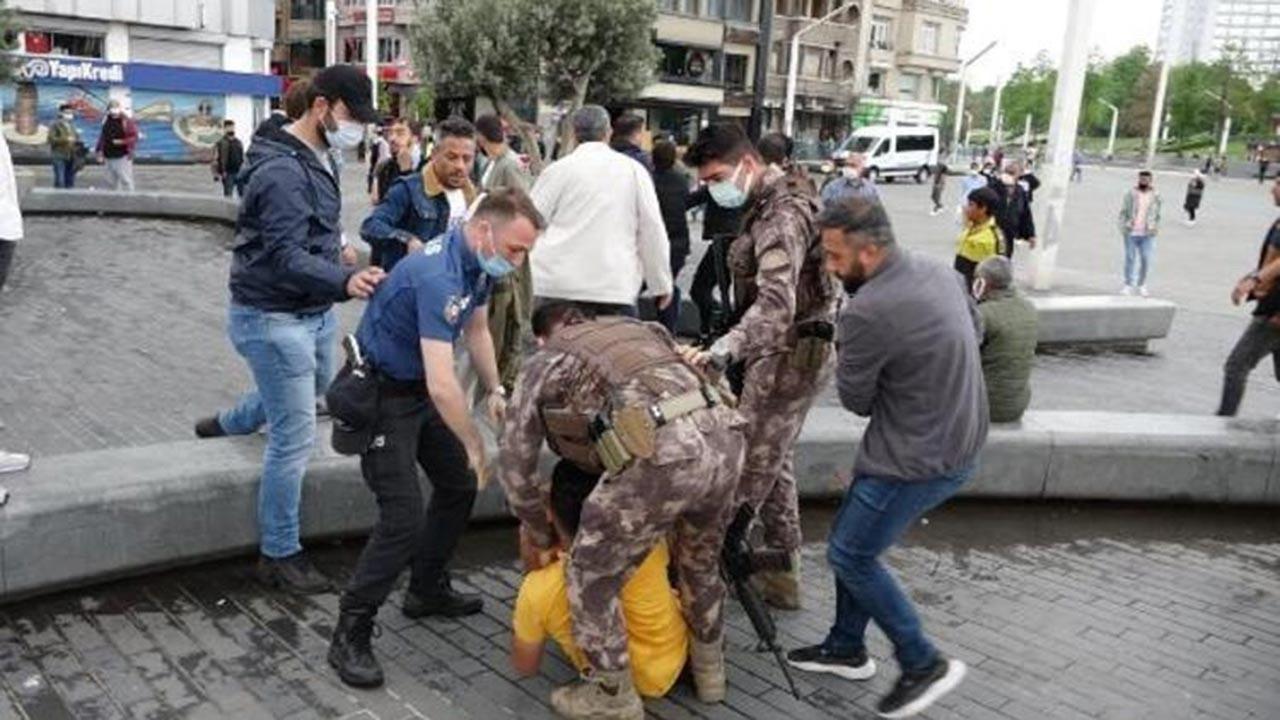 Taksim'de hareketli anlar, özel harekat el koydu