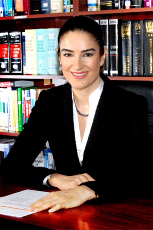 Avukat Ece Güner Toprak
