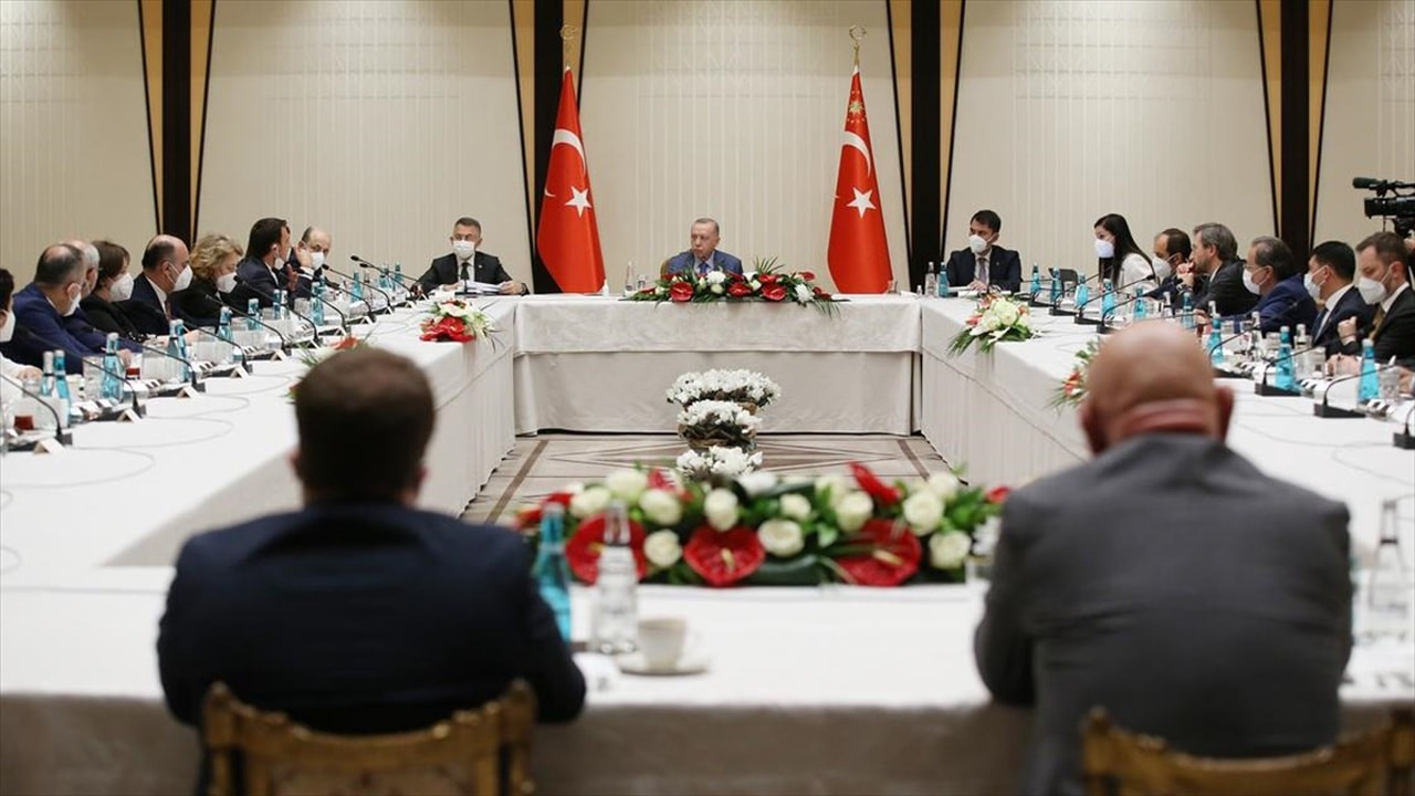 Cumhurbaşkanı Erdoğan akademisyenlerle görüştü