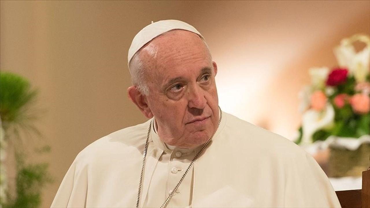 Papa'dan itiraf: Kiliseler 'istismar' krizinde