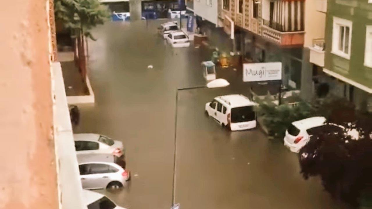Ankara'da evler su altında kaldı