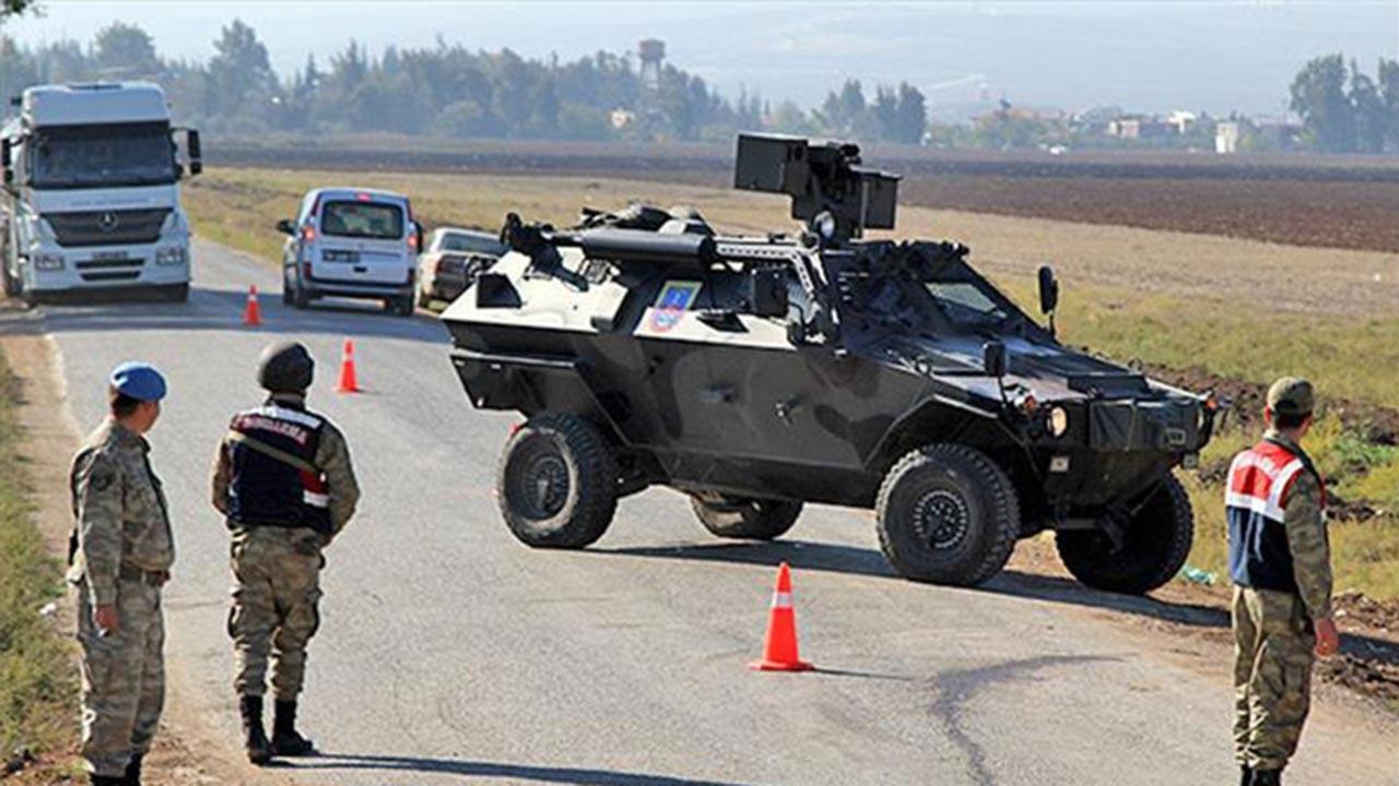 Jandarma göçmen kamyonuna ateş açtı, 2 ölü