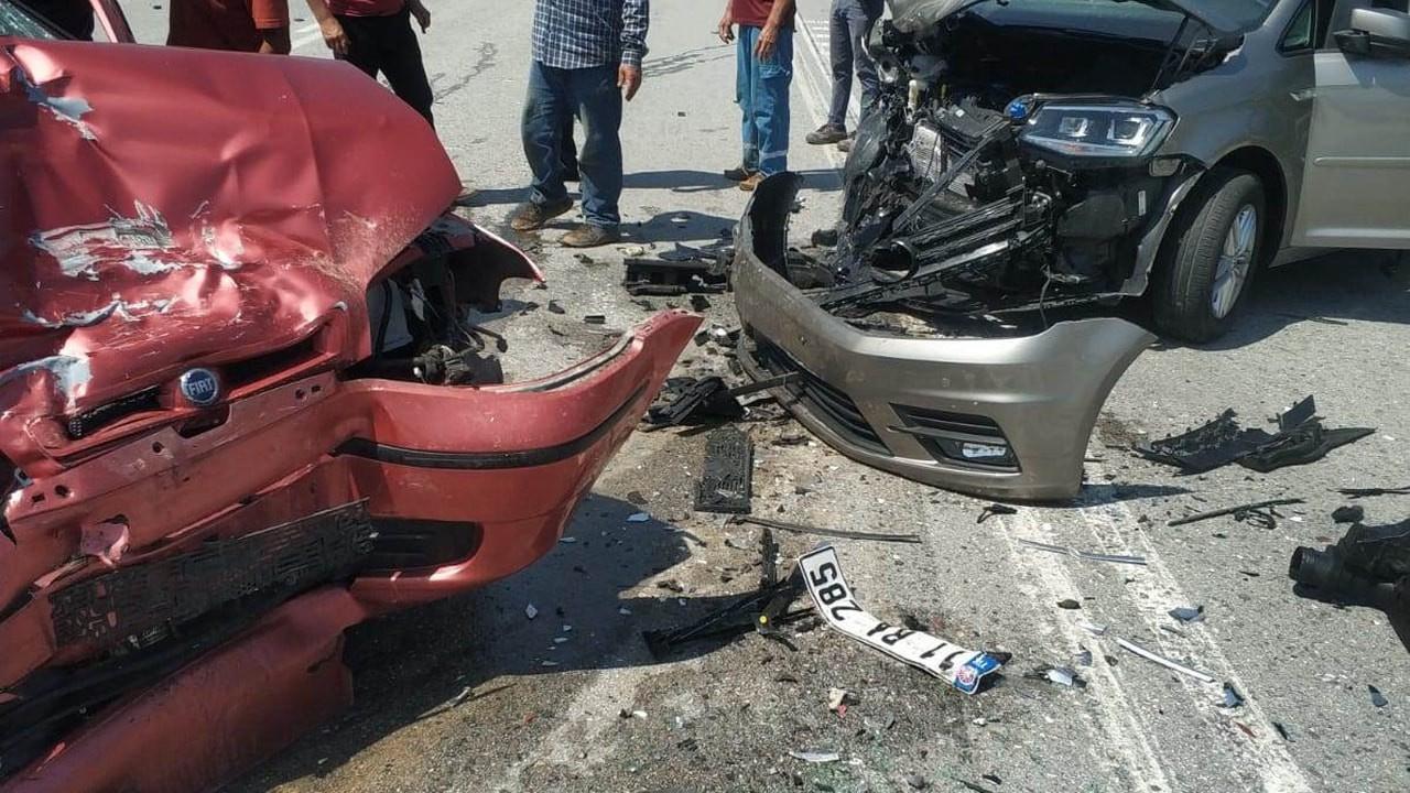 Sakarya'da trafik kazası, yaşlı çift öldü