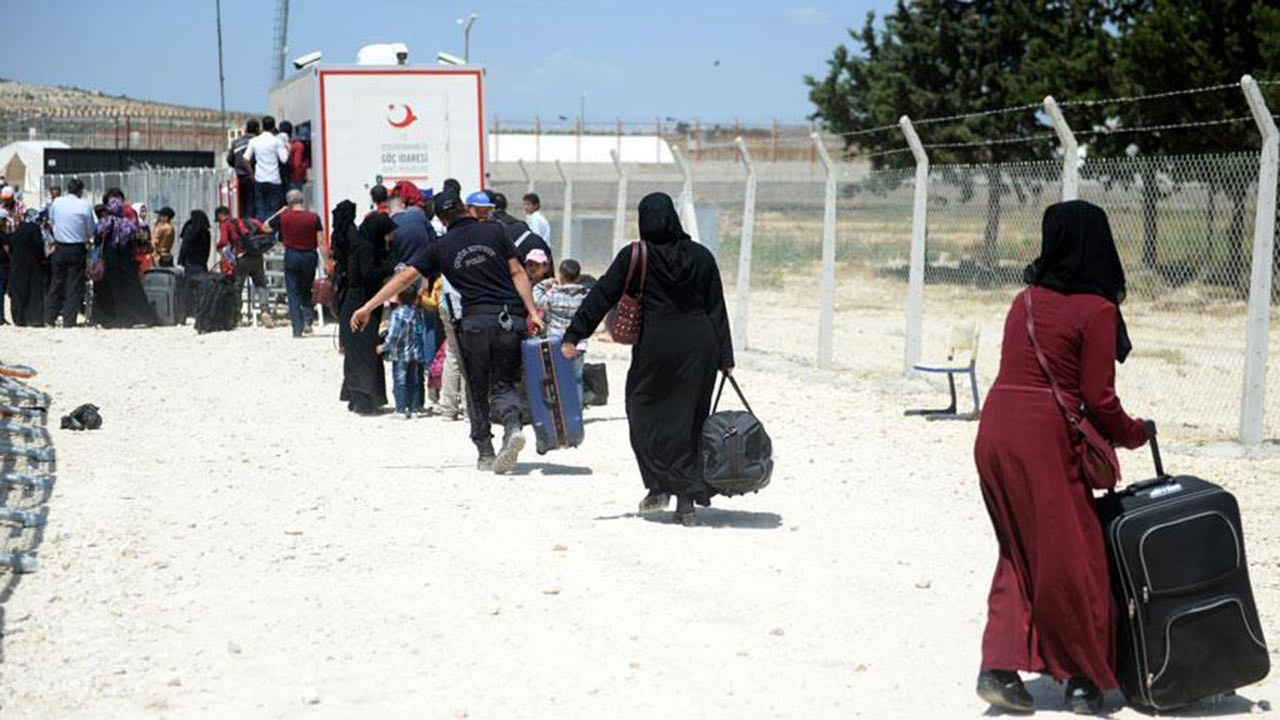Suriyeliler bayram için geri dönüyor