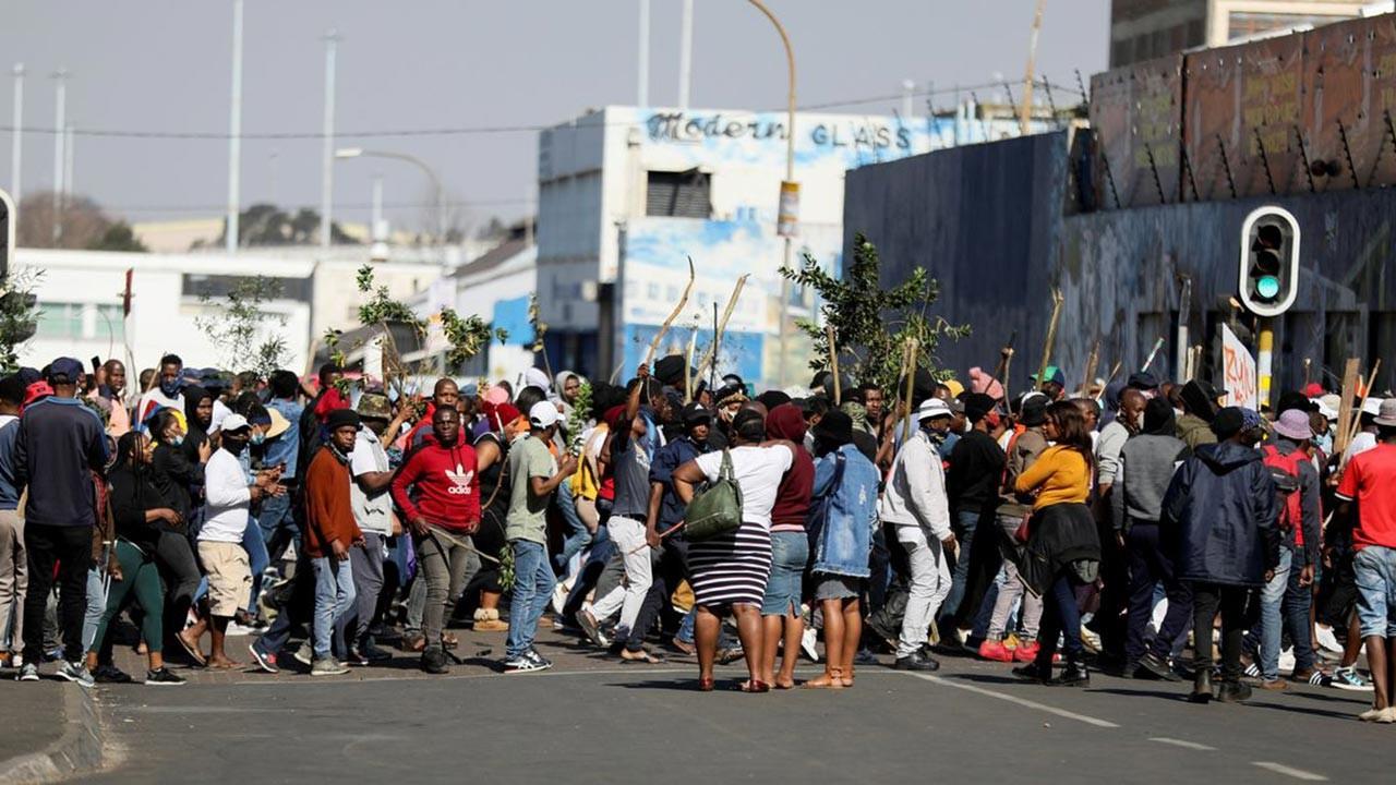 Güney Afrika'da durum karışıyor