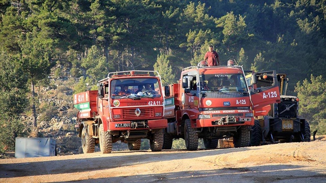 Mersin ve Hatay yangınları üç gündür devam ediyor