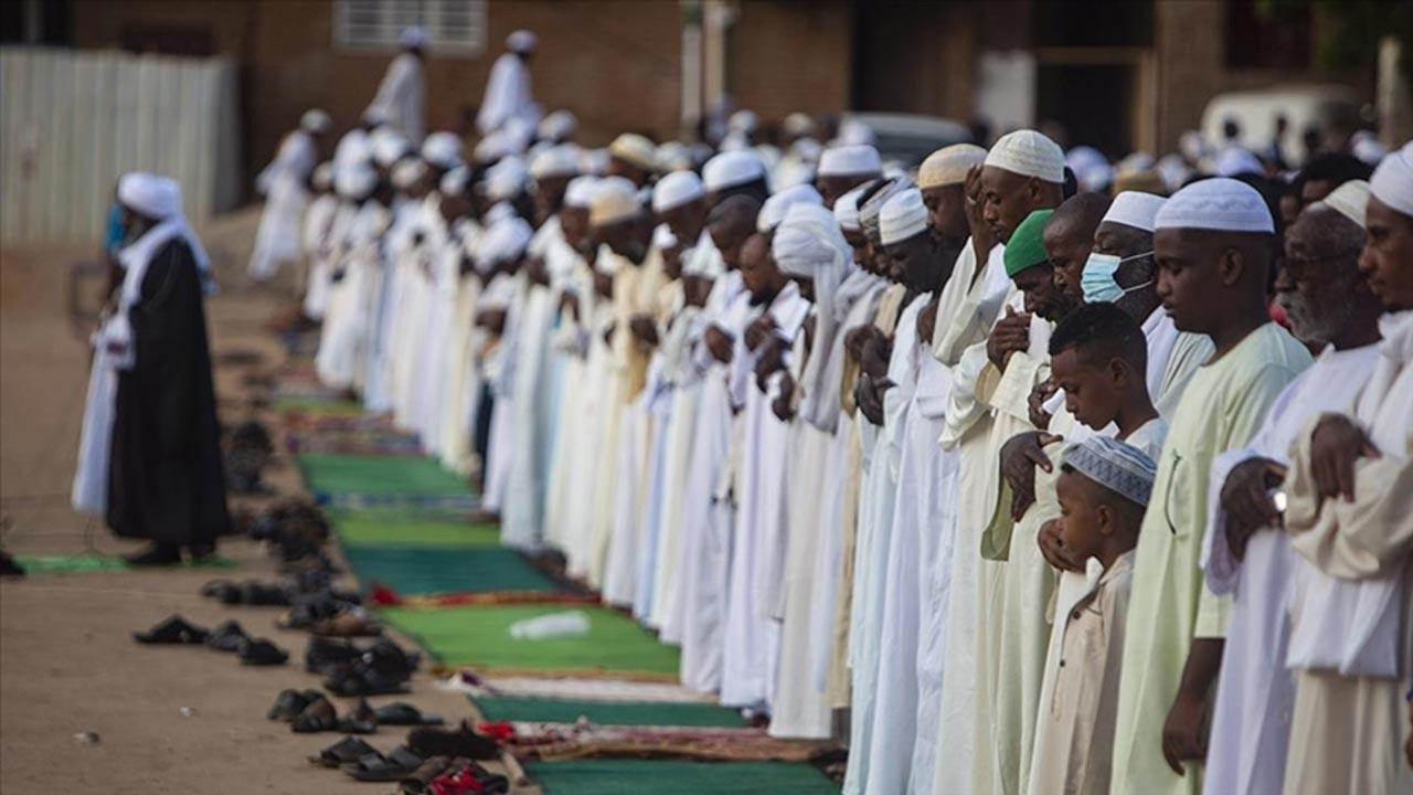 İslam dünyası Kurban Bayramını kutluyor