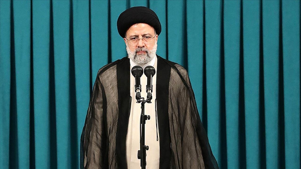 İran'da Reisi dönemi resmen başladı