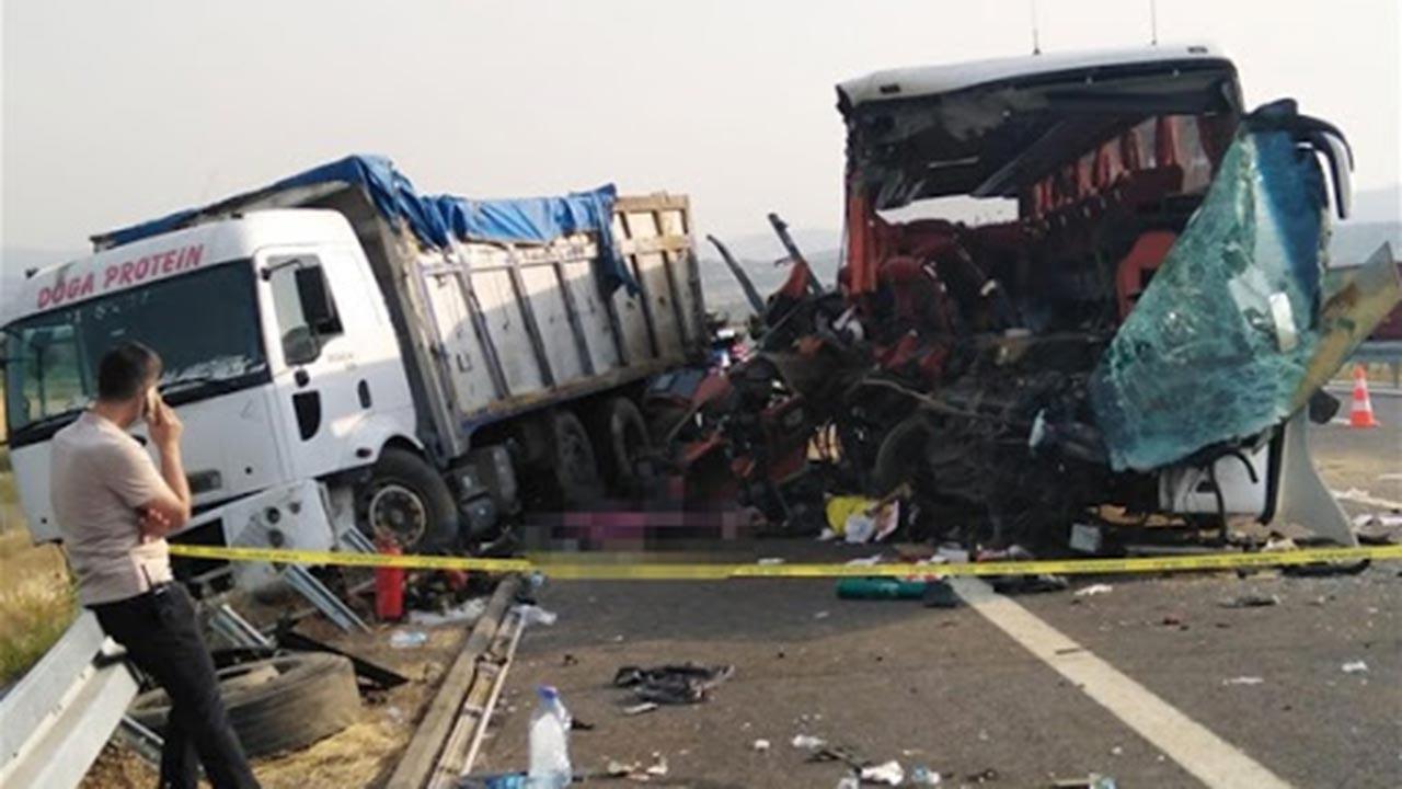 Yolcu otobüsü kazasında ölü sayısı 6 oldu