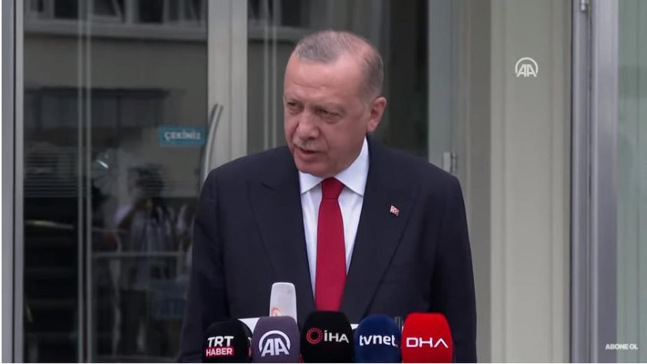 Cumhurbaşkanı Erdoğan Cuma çıkışında konuştu