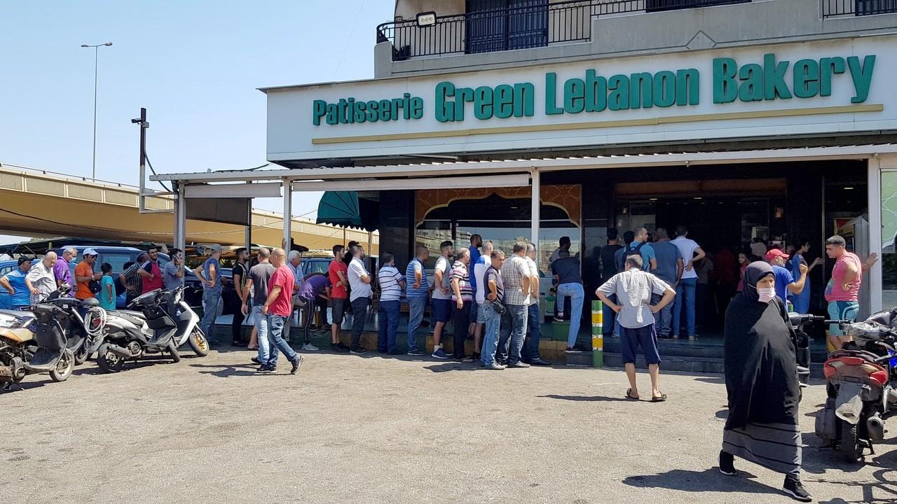 Lübnan'da benzinden sonra ekmek krizi