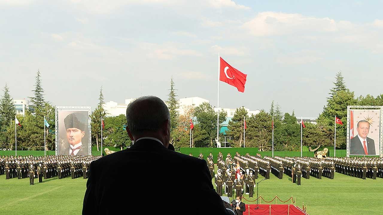 Erdoğan TSK'dan atılan FETÖ'cü sayısını açıkladı