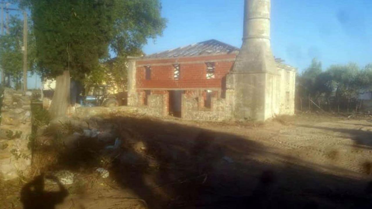 Yunanistan tarihi camiyi yıkmaya çalışıyor