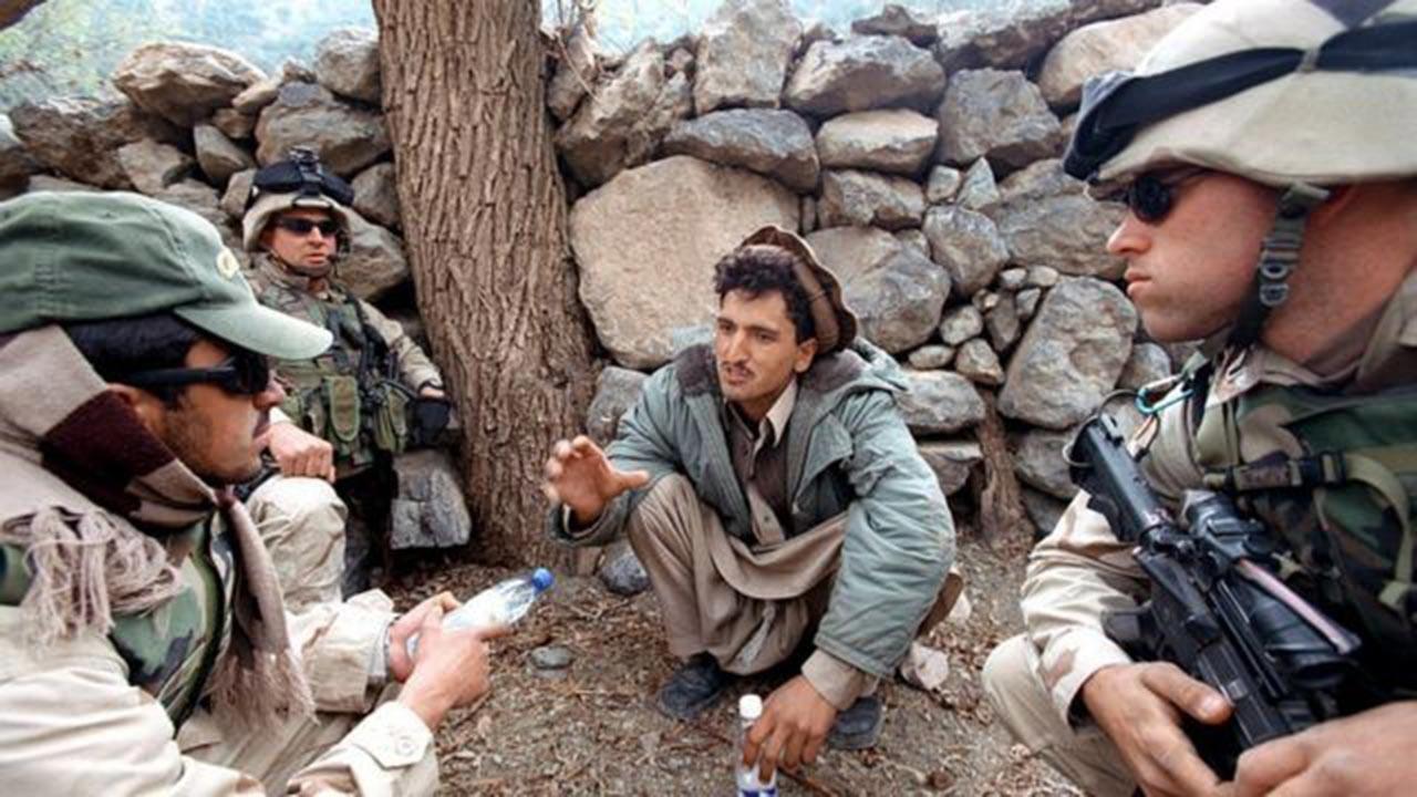 Kanada'daki Afgan tercümanlar greve başladı