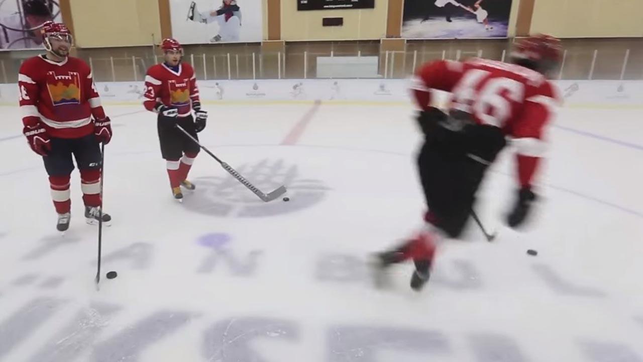Buz hokeyi kaç periyot?