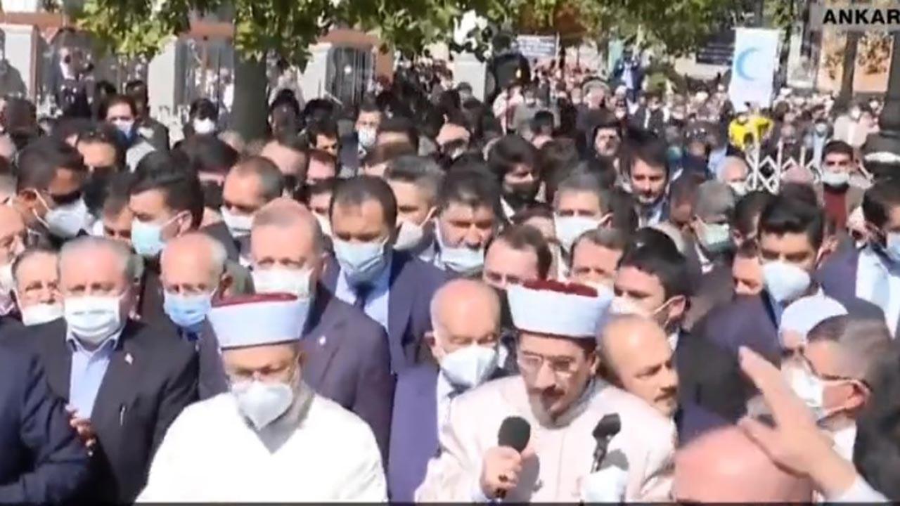 Siyaset dünyası Asiltürk'ün cenazesinde buluştu
