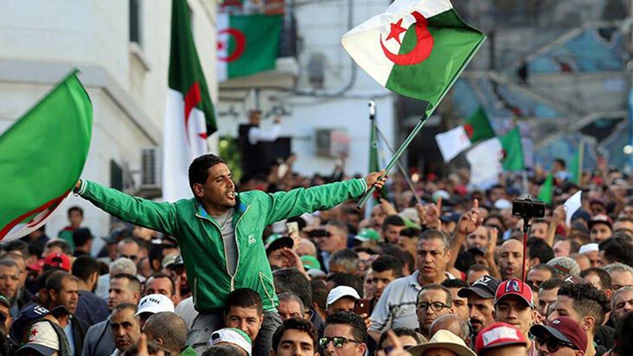 Fransa ve Cezayir gerilimi giderek tırmanıyor