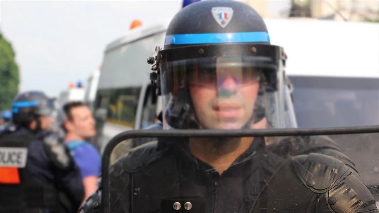 Camiye saldırı hazırlığındaki ırkçı tutuklandı