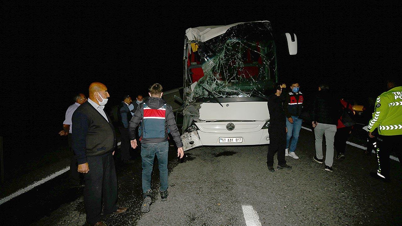 Nevşehir son dakika öğrenci otobüsleri kaza yaptı, çok sayıda yaralı var